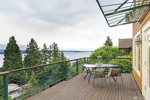 Madrona View Deck overlooking Lake Washington