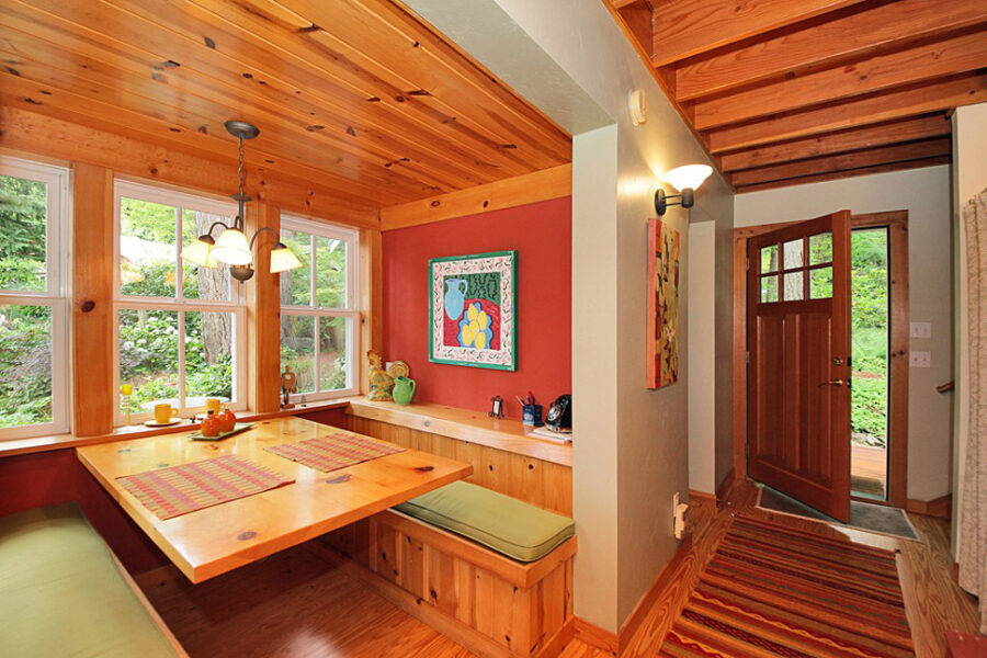 Langley Craftsman Dining Area