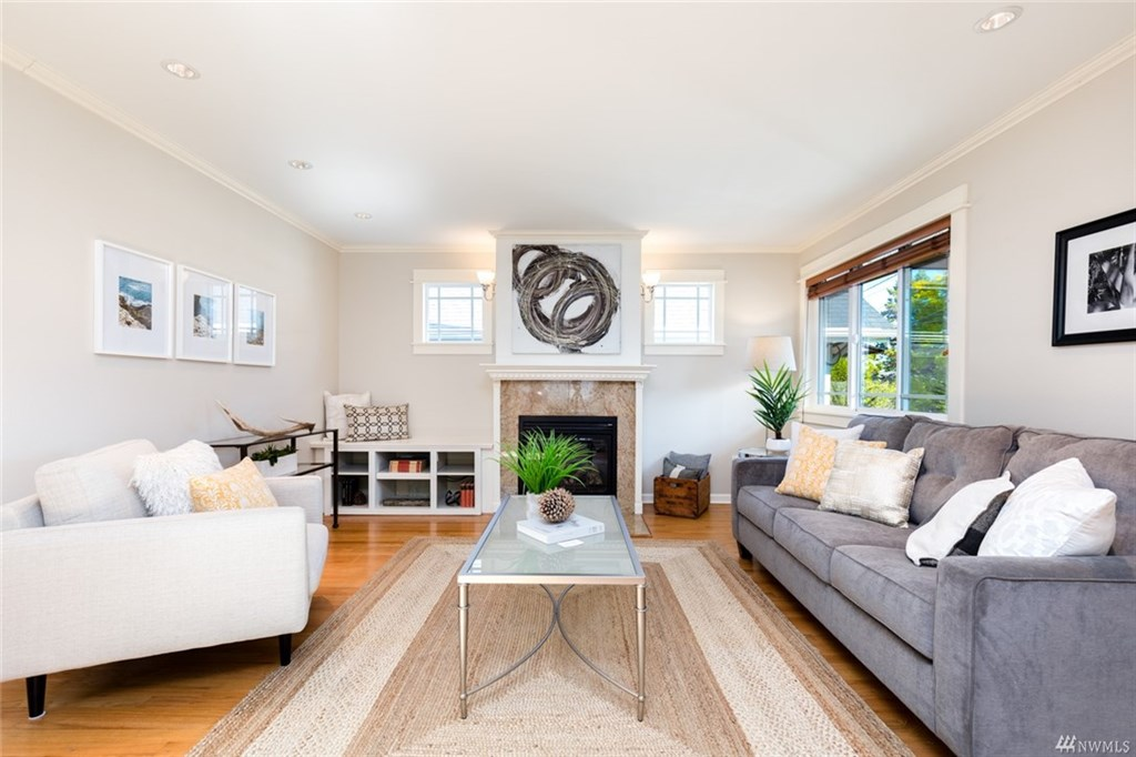 Greenlake Craftsman Living Room
