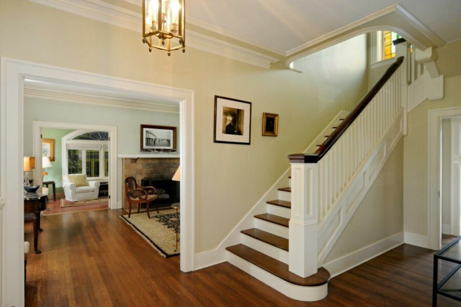 Mt Baker Classic Entry Hall
