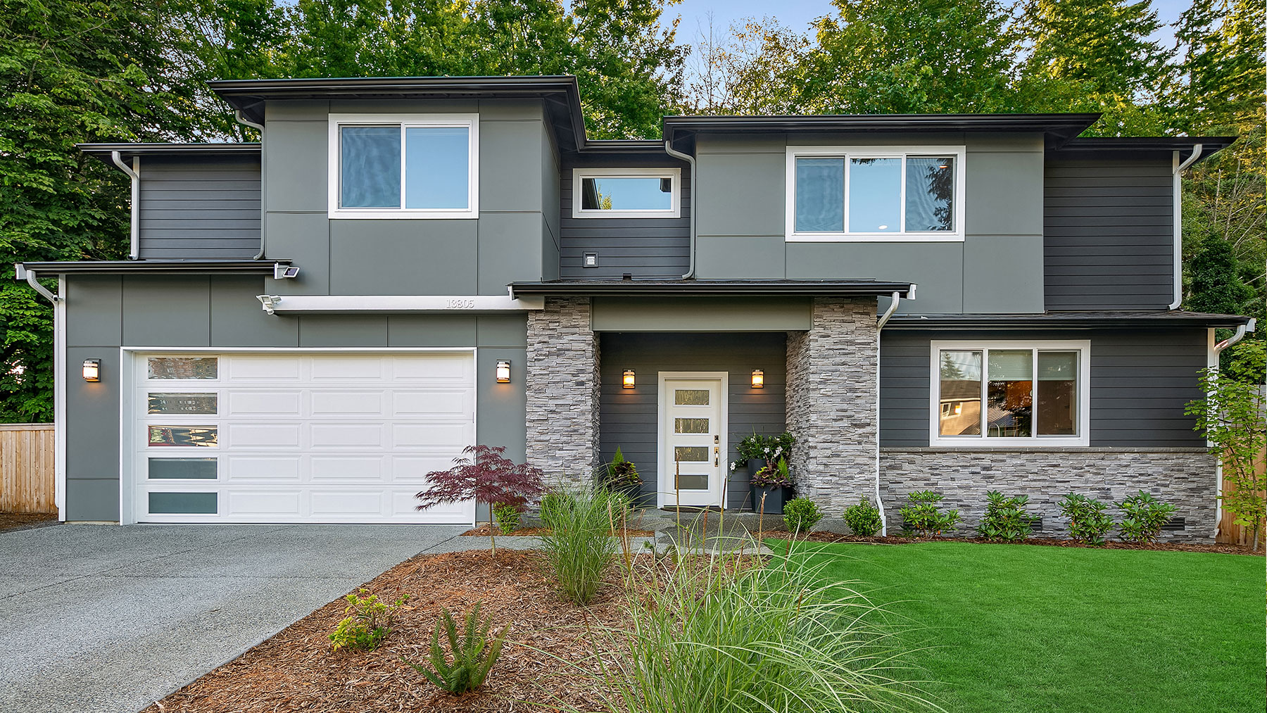 Lynnwood Contemporary Exterior