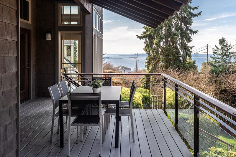 West Seattle Custom Deck