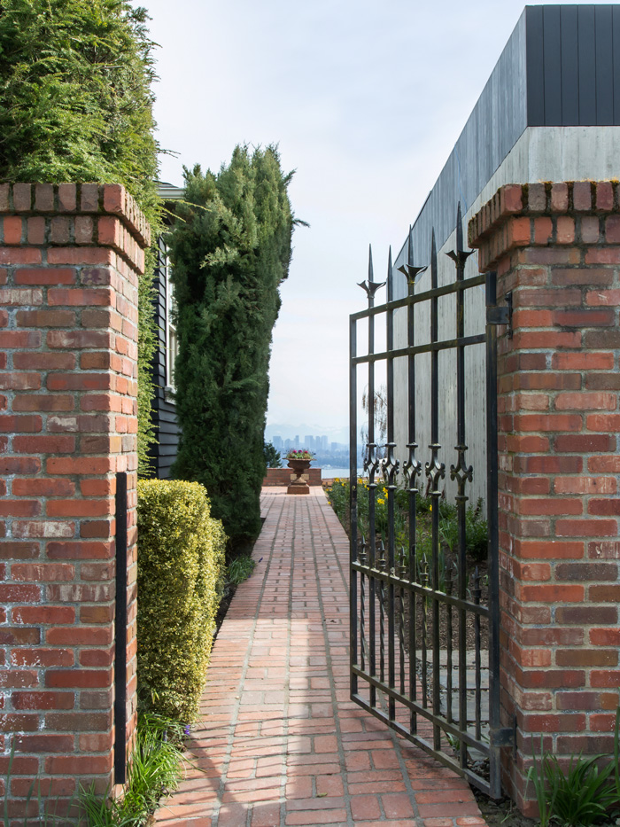 Madrona Colonial Side Gate