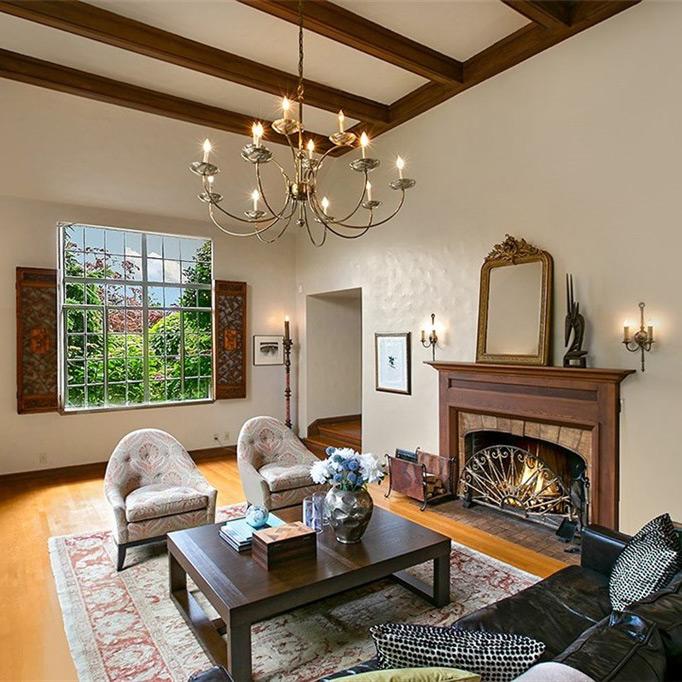 Lander Tudor Living Room