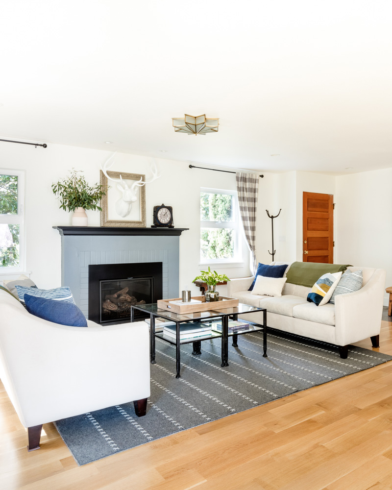 1614-39th-living-room-fireplace